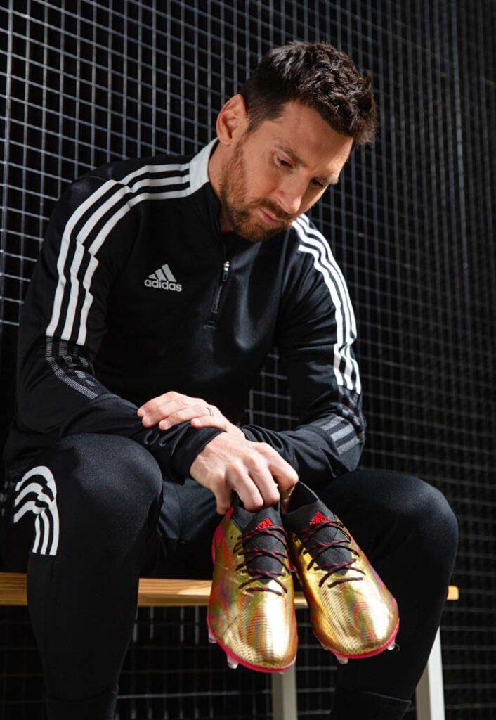 Месси и Adidas Nemeziz Messi.1 Showpiece